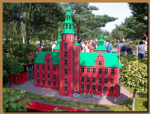 Danimarca jutland billund legoland for Sede lego danimarca